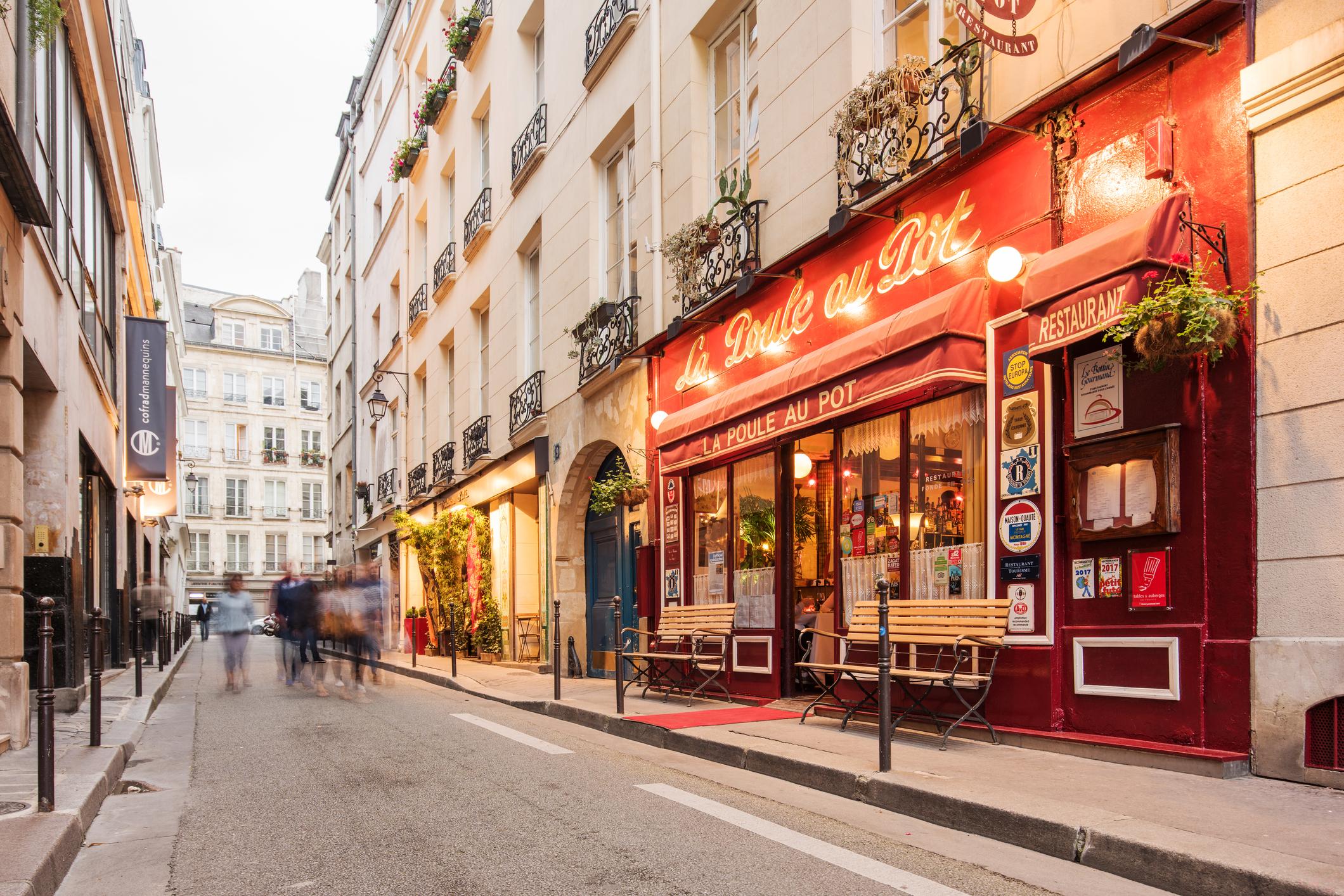 Quelles sont les étapes d'une étude de marché de restaurant en France
